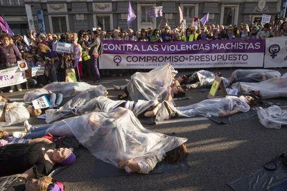 Manifestación en Madrid en protesta, el pasado 17 de mayo, por el incumplimiento en los Presupuestos Generales de los 200 millones de euros comprometidos por el Gobierno contra la violencia machista.