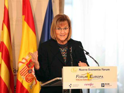 Núria de Gispert, durante una conferencia.