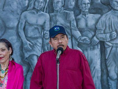 El presidente nicaragüense, Daniel Ortega, y su esposa y vicepresidenta del país, Rosario Murillo, en Managua, el pasado junio.