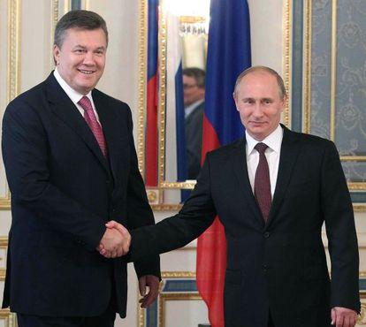 Yanukóvich y Putin, en Kiev el pasado julio.
