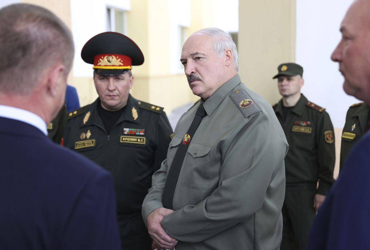 La UE intenta asfixiar económicamente al régimen bielorruso para forzar la salida de Lukashenko