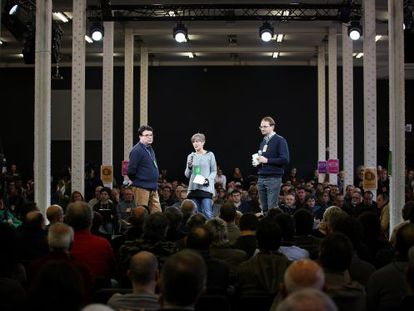 Joan Josep Nuet, Dolors Camats y Joan Herrera en un acto del partido.