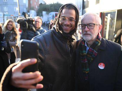 El candidato laborista, Jeremy Corbyn, este lunes en Londres durante un acto de campaña