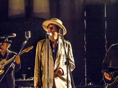 El cantante y poeta Bob Dylan durante una presentación en Barcelona.