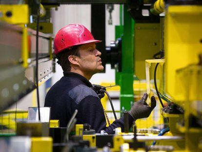 Tras el fiasco de la firma de electrodomésticos, la histórica marca se mantiene para la fabricación de maquinaria.