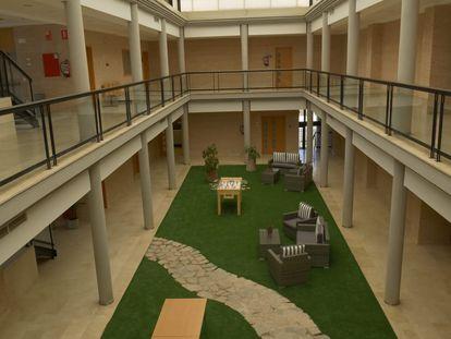 El interior del centro de menores de Villena.