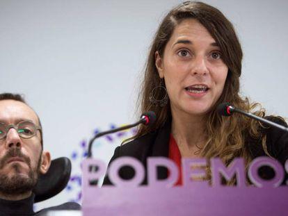 Pablo Echenique y Noelia Vera tras la ejecutiva de Podemos.