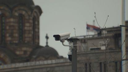 Cámara de reconocimiento facial instalada en Belgrado.