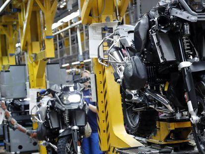 Cadena de producción del grupo automovilístico PSA en Vigo.