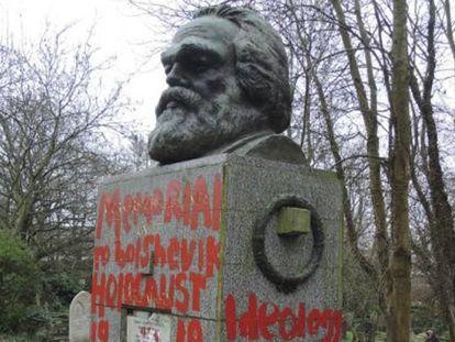 La tumba de Marx, cubierta por pintadas.