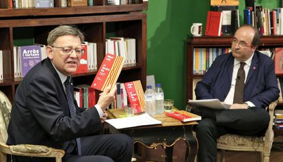 Miquel Iceta, con Ximo Puig, este lunes.