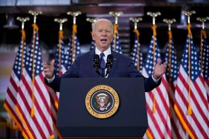 El presidente de EE UU, Joe Biden, presenta el plan de infraestructuras en Pittsburgh, el 31 de marzo.