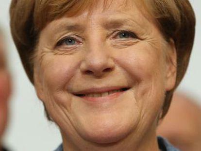 La canciller alemana lograría un cuarto mandato marcado por la entrada de Alternativa por Alemania en el Bundestag