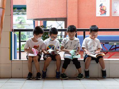 Alumnos de una escuela de Wuhan el 1 de septiembre.