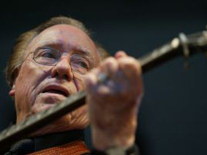 Earl Scruggs, músico de bluegrass.