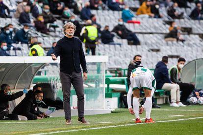 Pablo Alfaro, durante el partido contra el Getafe en Córdoba.