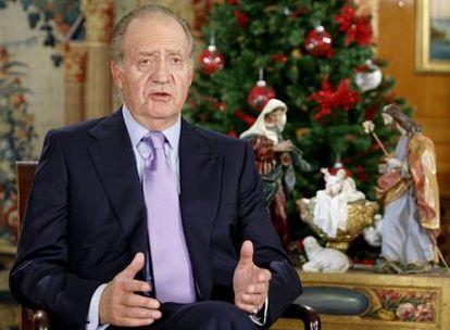 El Rey emérito Juan Carlos I durante un discurso de Navidad en La Zarzuela.
