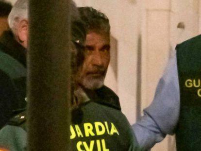Bernardo Montoya, a su llegada a los juzgados de Valverde del Camino (Huelva) el 21 de diciembre de 2018. En vídeo, relato de los hechos por parte de la Guardia Civil el 26 de diciembre de 2018.