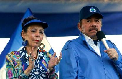 El presidente de Nicaragua, Daniel Ortega, y su esposa, la vicepresidenta Rosario Murillo, en 2018.