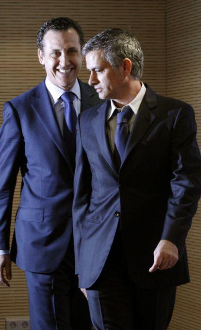 Valdano y Mourinho, en la presentación del segundo como técnico.