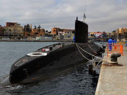 """El submarino de la armada rusa """"Novorossiysk"""" atracado en el muelle España de Ceuta el pasado agosto."""