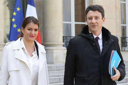 La secretaria de Estado para la Igualdad, Marlène Schiappa, y el portavoz del Gobierno, Benjamin Griveaux
