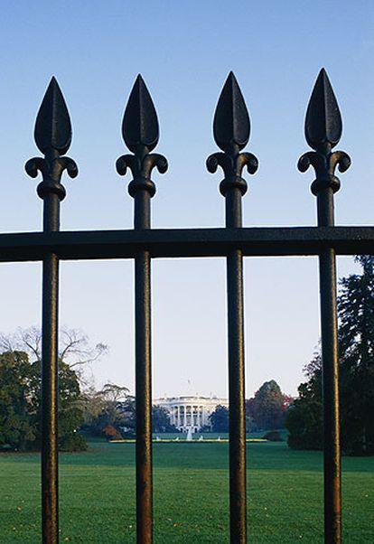 Verjas de la Casa Blanca, un muro simbólico para el presidente del Gobierno español.