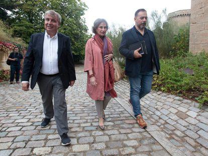 Jordi Xuclà (izquierda) y Marta Pigem, exdirigentes de CiU, en septiembre en la primera reunión de la plataforma.