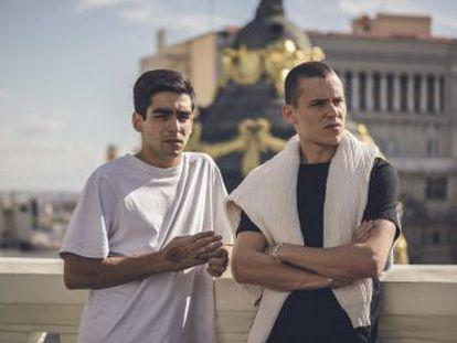 A Omar Ayuso y Arón Piper les ha cambiado la vida 'Élite', convertida en fenómeno mundial. La serie se rueda en exteriores de la capital, El Escorial, Guadarrama y Collado Villalba
