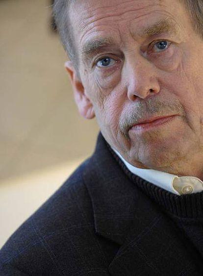 Vaclav Havel (Praga, 1936), durante una conferencia de prensa en París el año pasado.