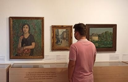 'La nena dels préssecs' (1921) y 'Rue du marché', (1912) de Joaquim Sunyer y, a la derecha, 'Moret-sur-loing', de Lluís Mercadé (1924), tres de las obras reunidas para la exposición.