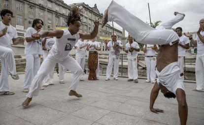 Un círculo de capoeira en Río de Janeiro, Brasil.