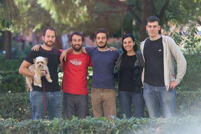 Germà Gil, Fernando Martín, Pablo Català, Sandra Mínguez y Ferran Martínez, de Podemos, ayer, en Valencia.