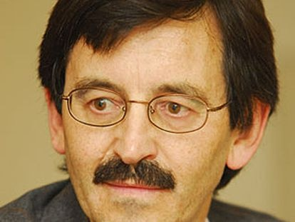 Jacinto Rivera de Rosales, catedrático de filosofia de la UNED