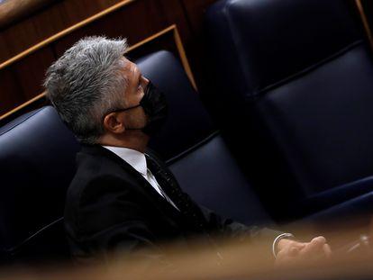 El ministro del Interior, Fernando Grande-Marlaska, durante su intervención en la sesión de control al Ejecutivo que se celebra este miércoles en el Congreso.