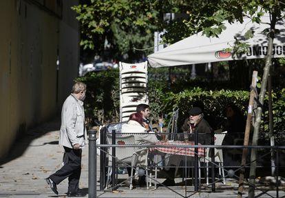 Una terraza en Guzmán el Bueno, en el distrito de Chamberí, en Madrid, el pasado octubre.