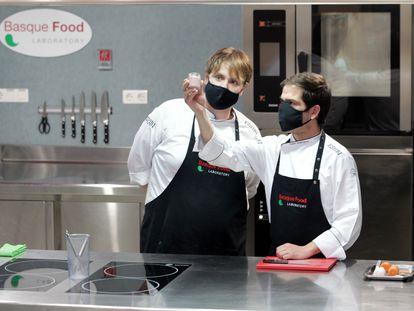 El laboratorio de la Escuela de Hostelería de Bilbao es el corazón de su I+D.