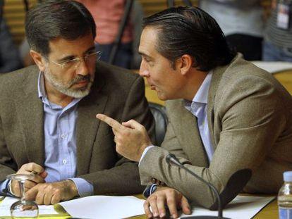 Los diputados del PP Rubén Ibáñez, a la derecha, y Alfredo Castelló.