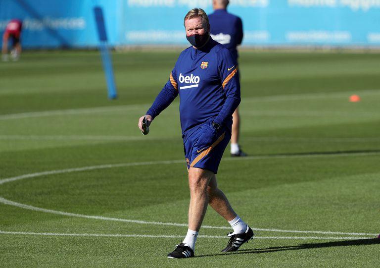 Koeman, durante un entrenamiento del Barcelona.