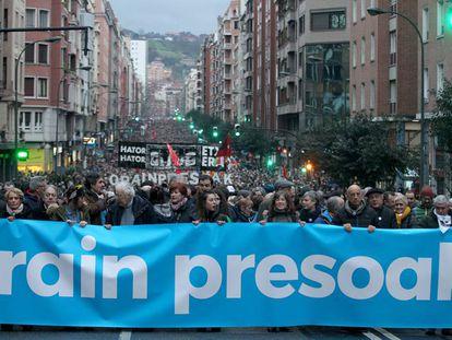 Cabecera de la manifestación por los presos de ETA celebrada en enero de 2018 en Bilbao.