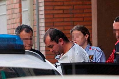 Un hombre decapita en Girona a su hija de dos años.