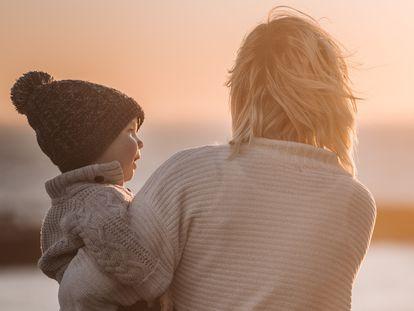 Entre 1985 y 2012, la edad media de la primera maternidad de las mujeres españolas se ha aplazado de los 26 a los 30 años y medio.
