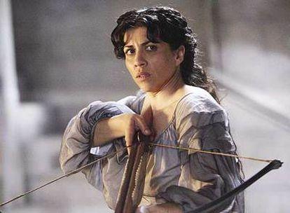 Alicia Borrachero, caracterizada como la reina Prunaprismia en un fotograma de <i>El príncipe Caspian.</i>