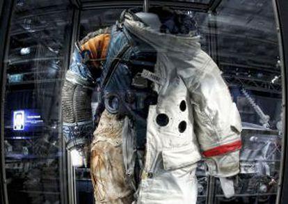 En la muestra se exhibe un traje espacial con 11 capas de diferentes materiales y que en la década de los sesenta costó 200. 000 dólares.