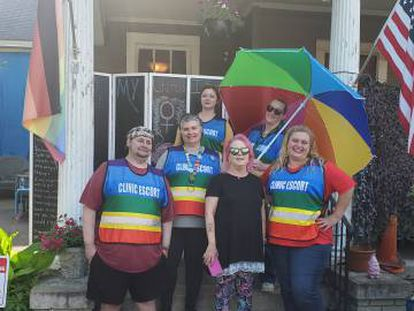 Un grupo de voluntarios de Power House, el pasado viernes en Montgomery.