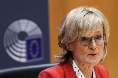 La comisaria de Servicios Financieros, Mairead McGuinness, en una comparecencia en el Parlamento Europeo el pasado octubre.