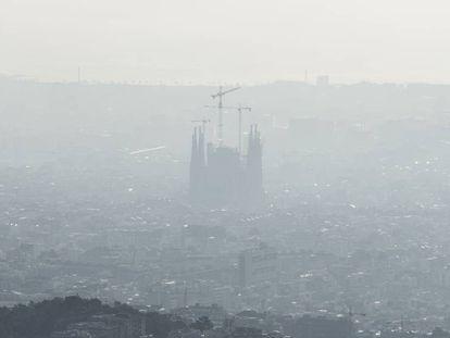 El aire contaminado de Barcelona, en una imagen de archivo.