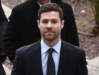 Xabi Alonso, a las puertas de la Audiencia Provincial de Madrid los días del juicio.