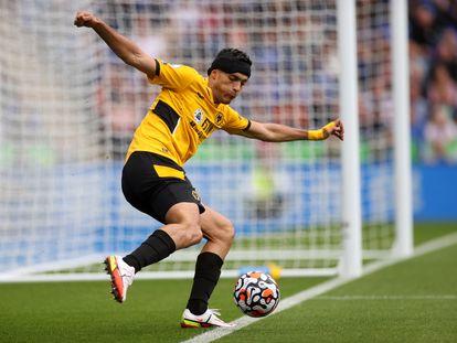 Raúl Jiménez, la semana pasada en el campo del Leicester.