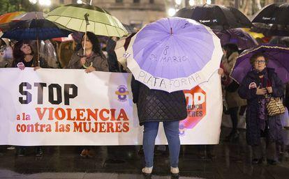 Concentración en el día contra la violencia de género, el viernes.